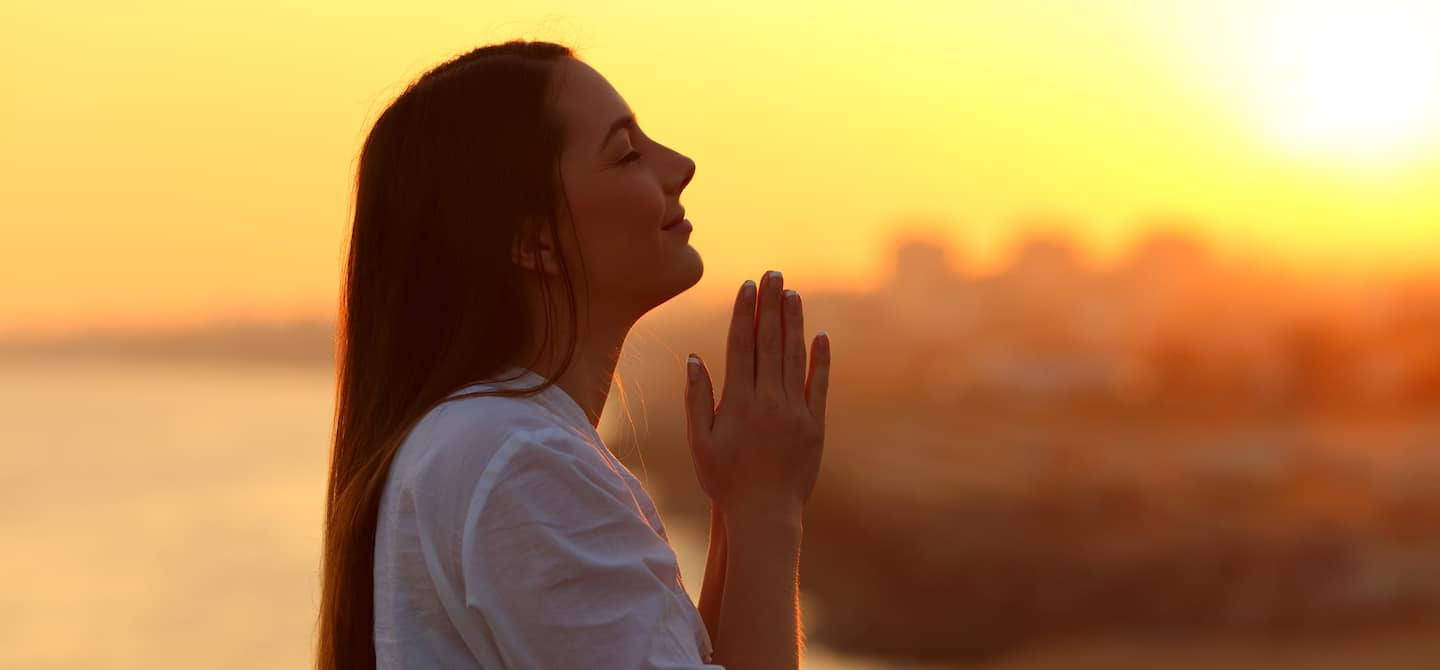 5 Crazy-Good Reasons to Practice Gratitude - The Wellnest by HUM Nutrition