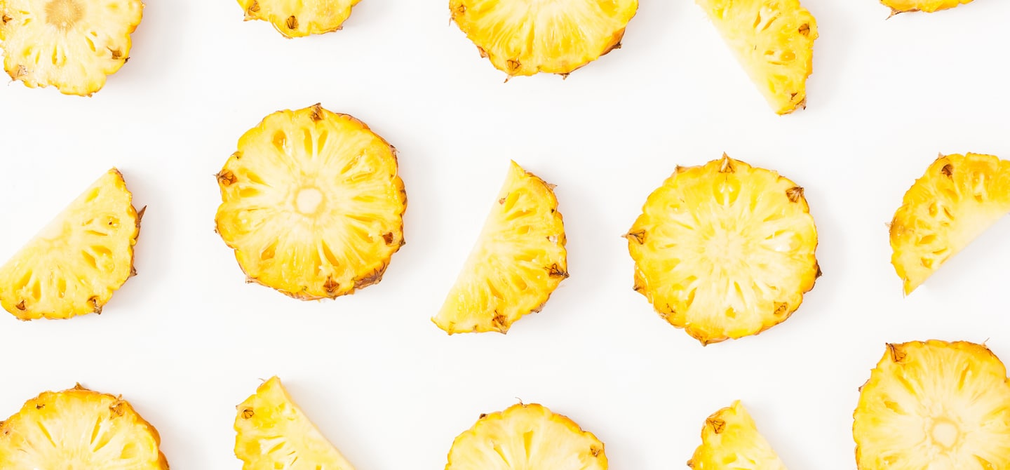 Pineapple slices, which are packed with bromelain