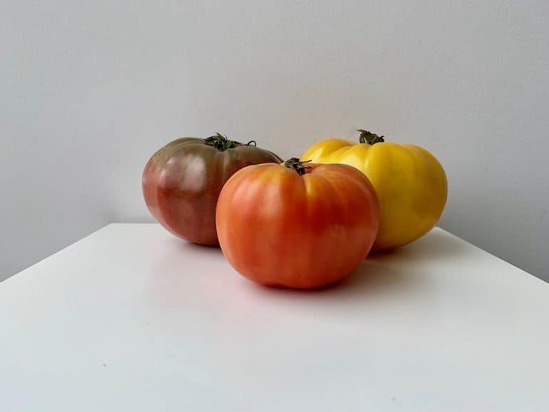 Costco Heirloom Tomatoes - The Wellnest by HUM Nutrition