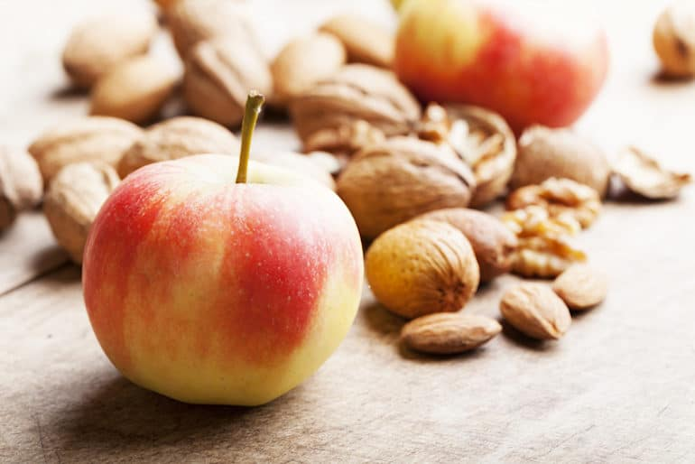 Almonds and Apples - Healthy Snacks for Weight Loss - The Wellnest by HUM Nutrition