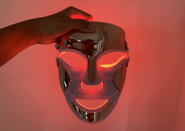 dr dennis gross led mask with red LED light to reduce wrinkles and spots