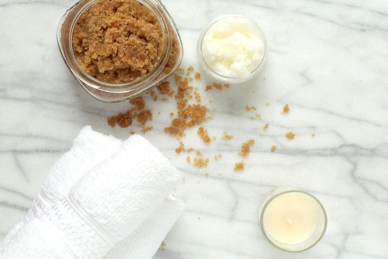 Brown sugar and coconut oil for a DIY lip scrub