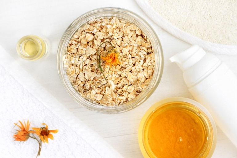 Oats and honey to make a DIY beauty recipe for hands