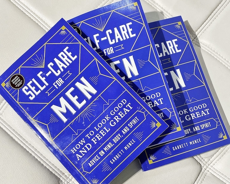 Copias del libro Self-Care for Men de Garrett Munce