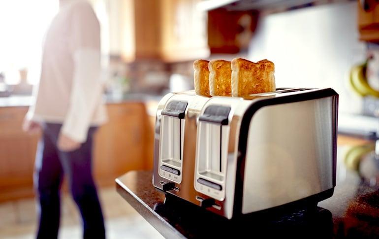 Tostada tostada como parte de la dieta BRAT