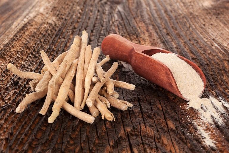Ashwagandha roots and powder.